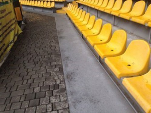 First row seating which could serve as amenity seating