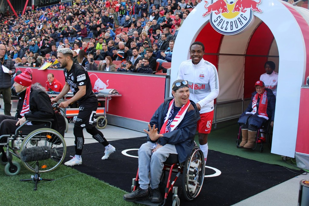 Disabled player escort at RB Salzburg
