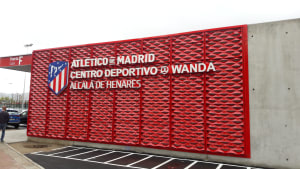 Centro Deportivo Wanda Alcalá de Henares sign on building