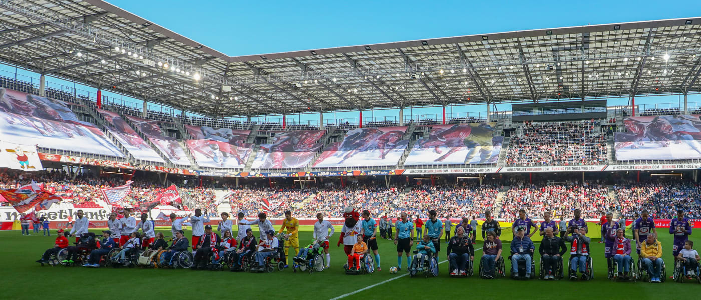 Wheelchair users as player escorts at RB Salzburg