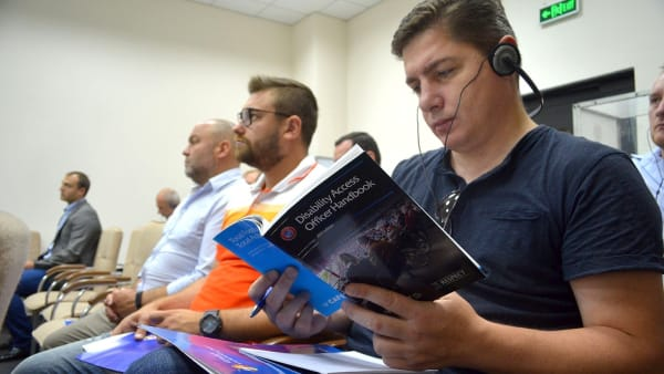 DAO handbook at seminar in Moldova